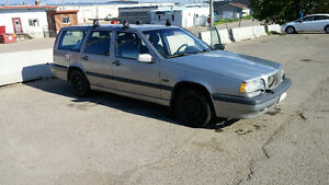 1996 VOLVO 850 WAGON . AUTOMATIC . THULE RACKS . ONLY $1800