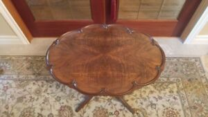 Gibbard Pedestal Table In Great Condition
