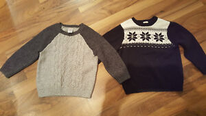 Gymboree Sweater size 4 in a  very good condition