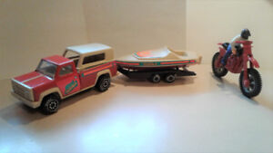 Tonka pickup-trailer/speedboat/ motorcycle/with rider Vintage