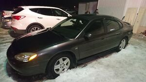 2002 Ford Taurus Sedan leather loaded