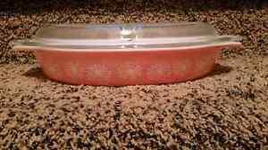 Pyrex Daisy pink divided  Regina Regina Area image 1