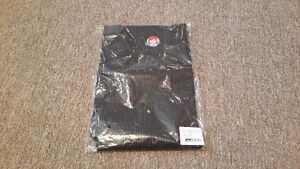 WENDY'S RESTAURANT APRON - NEW UNOPENED IN PACKAGE