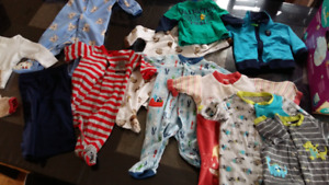 Vêtements variés  bebe 0 à 6 mois