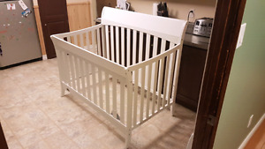Graco Crib, brand new, never used (no mattress)