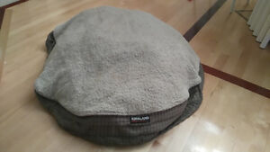 Large dog bed from Costco West Island Greater Montréal image 1