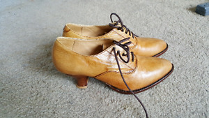 Excellent condition leather shoes