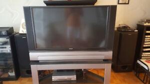 HITACHI LCD TV/MONITOR 50V720 52 inches $100