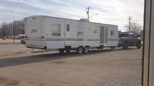 2002 35 foot keystone hornet park model $9500 need gone! Trades!