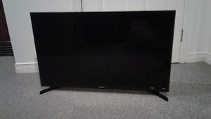 Samsung 32 inches 2 years old.