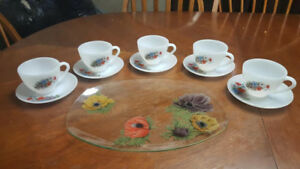 VINTAGE TEA WITH FRIENDS SET