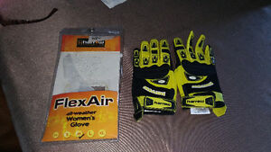 Ladies lacrosse gloves brand new