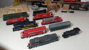Composite Model Train Starter Sets HO Scale