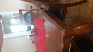 Beautiful table and chairs Cambridge Kitchener Area image 2