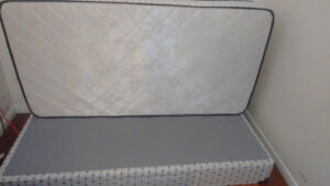 single bed and bed box pickup college and st george