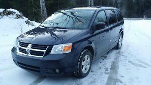 (Adapté) 2008 Dodge Grand Caravan SE