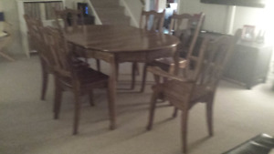 Beautiful Solid Oak Dining Table with 6 solid oak chairs.