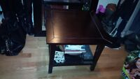 End table in great condition!