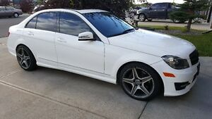 2013 Mercedes-Benz C300 4Matic - 3 Years extended Warranty 2020