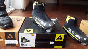 Kids Fisher XC Cross Country Ski Boots Size 28