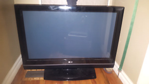 "32 "" LG PLASMA TV FOR SALE"