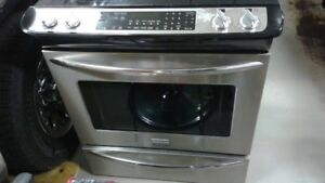 Frigidaire Gallery glass top stove oven