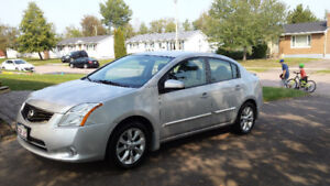 NEW PRICE 2012 Nissan Sentra with less than 25000 km on it!