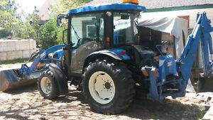 New Holland Tractor Boomer with Backhoe 45 HP - 775 hours