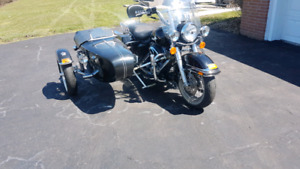 2005 Harley Road King with Sidecar