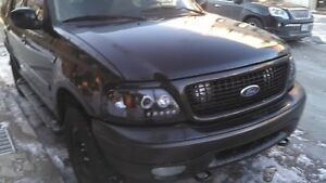 2002 Ford Expedition black SUV, Crossover