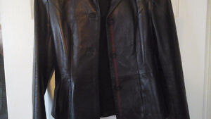 Leather jacket and skirt, Danier, new condition Kawartha Lakes Peterborough Area image 8