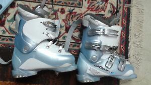 Bottes de ski Atomic presque NEUVES