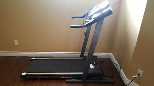 Treadmill - Tempo Fitness 611T in Mint condition for sale Kingston Kingston Area image 1