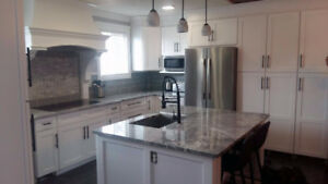 Furnished 6 month rental- Chefs Kitchen and Master Suite Spa!