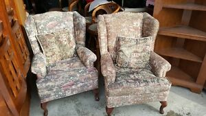Beautiful Hardly Used Pair Of Wing Back Arm Living Room Chairs