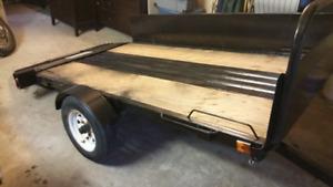 Remorque en acier basculante pour quad ou tracteur
