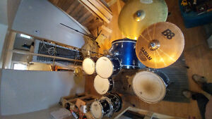 Tama 7 piece drum kit w/ hardware and cymbals