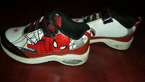 spiderman running shoes toddler size 9