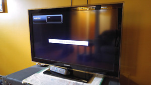 "Samsung TV 40"" ACL 1080P"