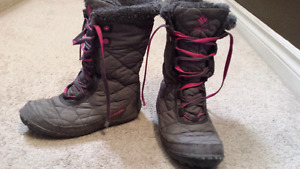 Columbia youth girls boots