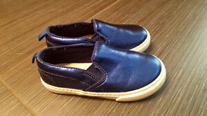 Size 10T Gap girls shoes!  Excellent condition - barely worn