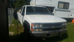 1998 Chevrolet C/K Pickup 2500 Club Cab Pickup Truck