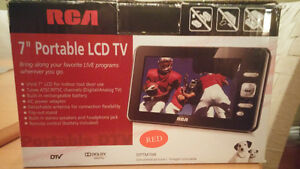 "7"" Portable LCD TV"