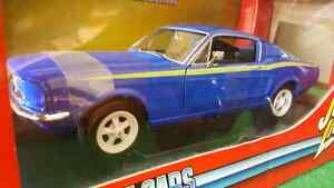Johnny Lightning Ertl 1967 Ford Mustang 1/18 scale Diecast WOW