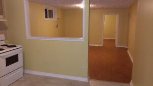 Renovated 2 bdrm grnd flr+garage in Bradford utilities included