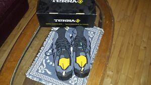 steel toe work shoe