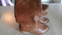 size 9m  womans western style boot