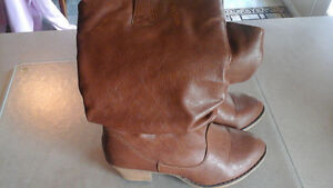 size 9m  womans western style cowboy boots