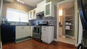 $90 - Newly Renovated! FULLY FURNISHED 2BDRM SUITE IN E