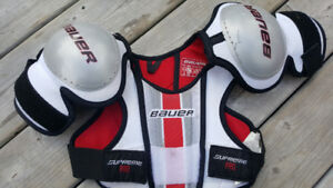 Bauer shoulder pads youth large